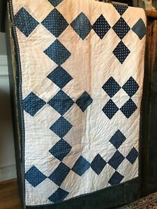 Early Old Stunning Primitive Blue And White Quilt