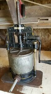 Antique Cast Iron Hand Crank Sausage Fruit Lard Juice Press 6 8 Quart original