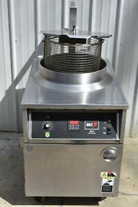 Bki Blf f Auto Lift Electric Fryer With Filtration System