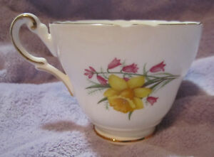 Regency Bone China Tea Cup Made In England Hand Painted Daffodils Bellsgold Trim