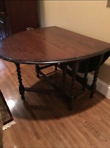 Antique English Oak Barley Twist Gate Leg Drop Leaf Oval Table