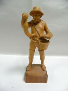 Vintage Wooden Carved Figurine Fisherman Fishing Man Sculpture Statue A8