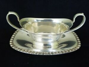 Vintage Wm Rogers Castle Silver Plate Gravy Sauce Boat W Attached Drip Plate