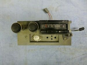 1971 1974 Mopar B Body Am Radio 3501013 Good Working Condition Looks Awesome