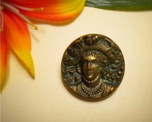 Antique Bronze Metal High Relief Prince Charles In Plumed Hat Picture Button