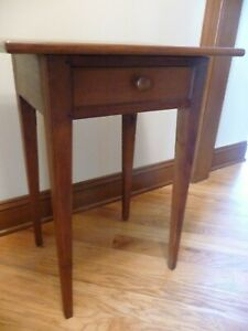 Beautiful Vintage Cherry 1 Drawer Tapered Legs Stand Table