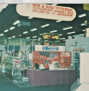 Trade Show Hanging Sign Circular 15ft X 3ft Lighted Banner And 8ft Column Sign