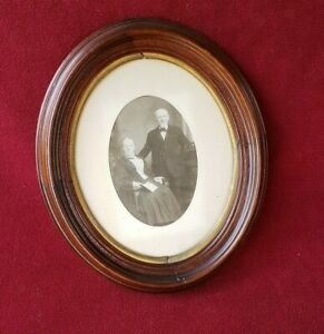 Antique Victorian Deep Walnut Oval Frame W Photo 10 5 By 12 5