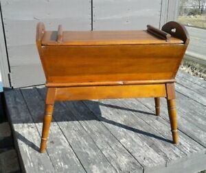 Antique Primitive Wood Dough Box And Lid With Tapered Legs Hand Cut Dove Tails