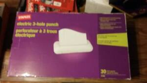 Staples Electric 3 Hole Punch 30 Sheet Capacity 37959 Office Supply Organize New