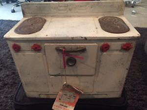 Vintage 1950 S Little Lady Electric Stove W Bookl It Works 15l X 1