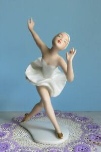 Vintage Porcelain Figurine Wallendorf Ballerina German Swan Lake Dancing Lady