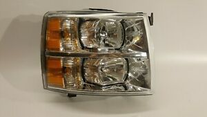 2007 2013 Chevrolet Silverado 1500 2500 Passenger Headlight Lamp Halogen Oem