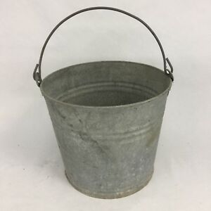 Vintage Galvanized Water Pail Garden Bucket Wire Bail Handle 10