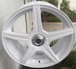 Racing Hart M5 Monoblock 18 X 7 5 Et42 4 114 3 5 114 3 White Set Of 4 Pcs Jdm