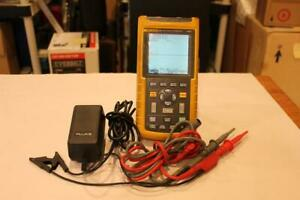 Fluke 123 Industrial Scopemeter With Leads And Ac Cord