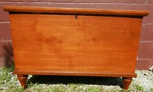 Antique Lift Top Chest Box With Till Dovetails Probably Pennsylvania Ca 1830