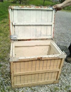 Vintage Wooden White Banana Shipping Crate Tool Box With Hinged Lid And Handles