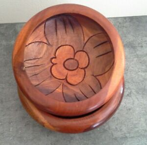 2 Hand Carved Vintage Wood Bowls Floral Design 6
