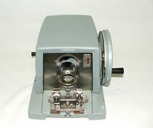 American Optical Microtome 820 With Blade Holder