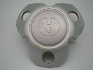 2001 2004 Toyota Tacoma Oem Painted Silver Center Cap P N 42603 04070