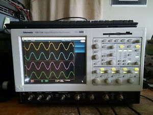 Tektronix Tds7104 1ghz 10gs s Oscilloscope Dso With 32gb Ssd Drive