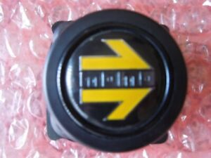Momo Classic Horn Button Single Contact