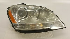 2009 2011 Mercedes Ml350 Headlight Passenger Right Halogen Oem Broken Tabs