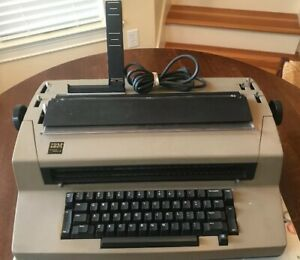 Vintage Ibm Selectric Iii Typewriter Tan Powers On Needs Repair