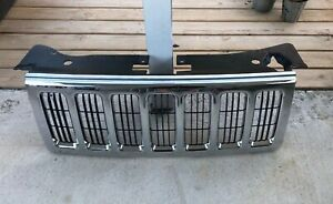 Chrome Oem Factory Grille Fits 06 10 Jeep Commander Excellent Shape