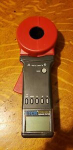 Etcr2100a Digital Clamp On Ground Earth Resistance Tester Meter 1 199 Euc