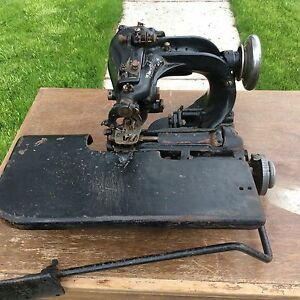 Vintage American Blind Stitch Machine Company Sewing Machine New Dearborn 9