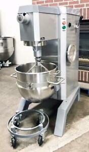 Univex M60 Bakery Restaurant Equipment 60qt Dough Food Mixer Bowl Beater