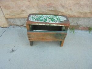 Small Wooden Milking Stool Bench Green Porch Garden Plant Stand Decor