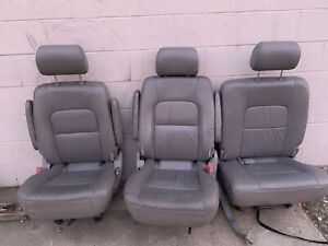 Lot Of 3 Kia Minivan Mini Van Row Seats Grey Leather