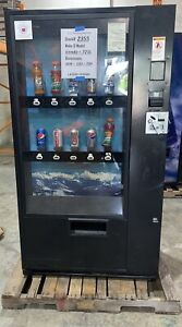 Glass Front Vendo 721 Soda Live Display Vending Machine