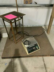 Toledo Pallet Scale Model 8186 With Display Stand