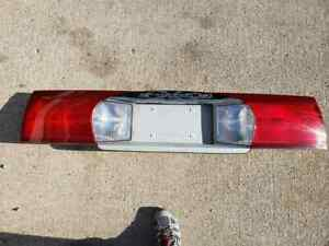 2003 Buick Rendezvous Center Mount Tail Light On Decklid Lh Rh Free Shipping