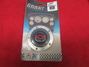 Grant Signature Series Horn Button Chevy Red Black Bowtie 5660 Gm