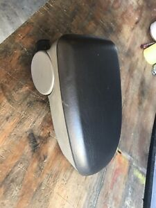 2000 2007 Ford Focus Center Console Arm Rest Lid Cover Grey
