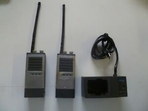 Lot Of Two Uniden Force Apl 56c Two Way Radios With Charger O295
