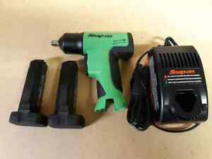 New Green Snap On Tools 3 8 Cordless Impact Wrench With Charger And 2 Batteries