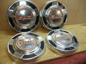 4 Gmc Vintage Oem Hubcaps Red Letter Pre Owned 10 Inch Aluminum 1970 S Nice
