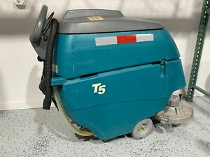 Tennant T5 28 Disk Scrubber 1254 Hours Built In Charger