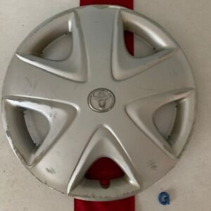 g 1 2003 2005 Toyota Echo 15 Oem Wheel Cover Hub Cap Silver Finish 2680