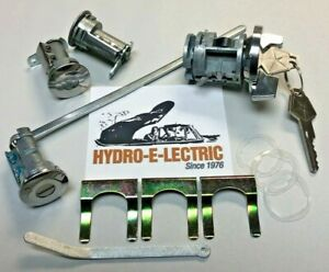 New 1970 1971 Plymouth Valiant Duster Ignition Door Trunk Lock Set Oe Keys