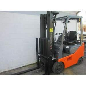 2010 Toyota 8fgu15 Gas 3000lbs Forklift 119 h Cushion Tires W Side Shift