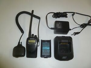 Kenwood Tk 2170 k 136 174 Mhz Vhf Two Way Radio W Charger Li ion Battery