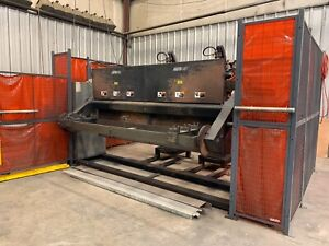2 Yaskawa Motoman Up6 Robots Welding Cell W Indexing Trunion Table