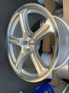 Racing Hart Evolution Gt5 19x8 5 Et25 5 114 3 Silver One Wheel Only